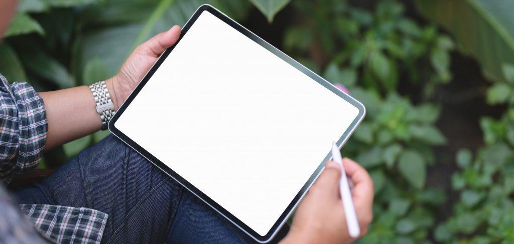 Tablet mit weißem Touchscreen und Pen-Eingabe